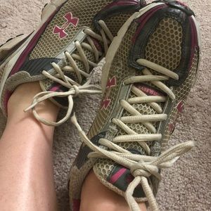 Shoes - Well Worn Under Armour Sneakers Tennis Shoes 8